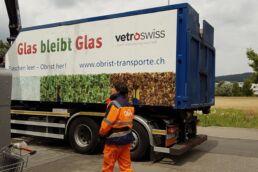 Die modernen Fahrzeuge von Obrist erlauben ein schnelles und effizientes Recycling von Altglas aus Gastronomie und Sammelstellen.